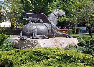 PEGASUS MONUMENT OF 1956 REVOLUTION - KISOROSZI 2006_3