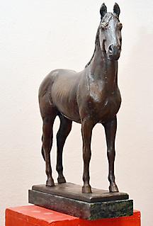 HORSE SCULPTURE OF KISBÉR_2